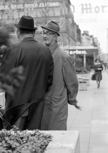 """""""Deutschland hat keine Pferde mehr...!"""" Das sagte der Mann mit der Brille, der Ende der 70er regelmäßig auf der Kettwiger Straße anzutreffen war.."""