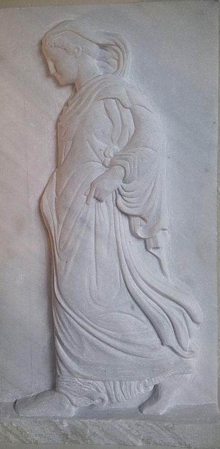 La Gradiva de schrijdende Athene als gipsafgietsel 2009   68 h x 36 b x 8 d  Prijs: € 75,-