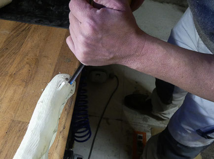 Holz bearbeiten und schnitzen