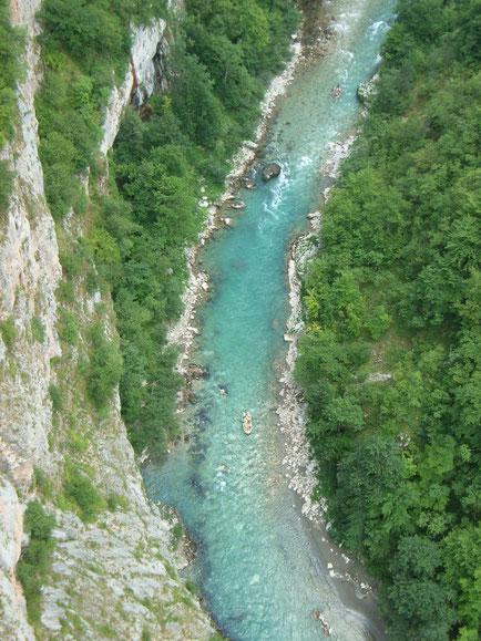 Die Tara fließt durch eine der tiefsten Schluchten Europas