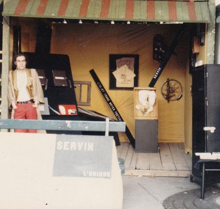 Installation SERVIN Marché Poésie 1988