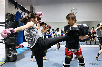 ▲毎週水曜20:00~21:00はキックボクシング初心者クラス!
