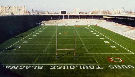 Le Stadium Municipal de Toulouse aux couleurs de Ours pour affronter les Ours de Moscou.