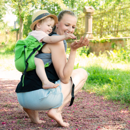 Onbuhimo baby carrier by Huckepack, Toddler carrier, well padded shoulder straps, easy to use, like a rucksack.
