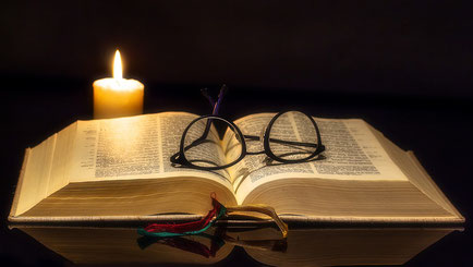 La Bible peut nous aider à vivre pleinement l'instant présent en pleine conscience. TOUTES les prophéties vont s'accomplir sans faute, n'ayons aucun doute !  Préparons-nous à cela dès maintenant….