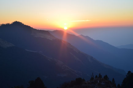 Poon Hill Yoga Trek in Nepal, Sunrise in the mountains; Yoga Vaccation in Nepal, Yoga Trekking in Nepal