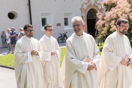 Dreifache Priesterweihe bei den Salesianern Don Boscos Foto: Wolf-Bild