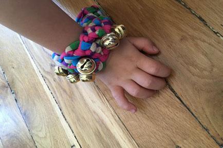 Loisirs créatifs, activités manuelles pour enfants, instruments de musique, fête de la musique, bracelet, grelots