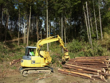 木材グラップル(伐木等機械)