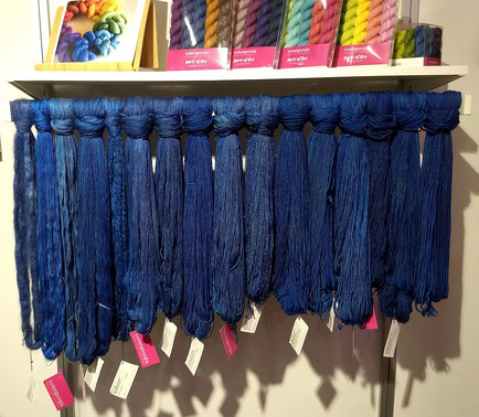 Unterschiedliche Qualitäten in Blau