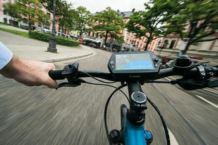 Bosch Nyon: Routenplanung und Navigation