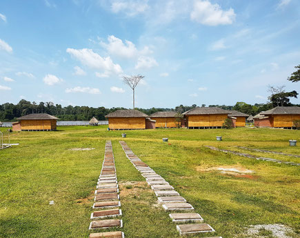 Nkoteng. Sanaga Beach Lodge