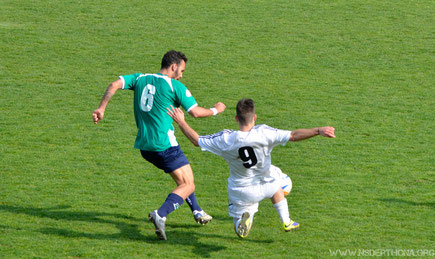 2013-14 Derthona-Chiavari Caperana Serlini che lotta su ogni pallone
