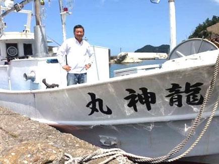 完全ふかせ釣り福井玄達釣り船遊漁船龍神丸。玄達瀬半日遊漁から帰ってきた船長。