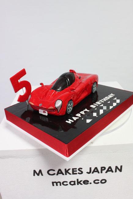 ヤマハ・OX99-11 スーパーカー 型お誕生日ケーキ🎉 お誕生日おめでとうございます🎊 ケーキが美味しかったと言っていただきありがとうございます😊 とても嬉しいお言葉です!! ・ ケーキは毎日追求&研究で 味も少しづつでも上達していける様にと思って取り組んでおります💕 自分では始めた時から比べるとケーキ&フォンダンも良い感じになってきたと自負してます😆 これからもずっと良い進化をしていける様勉強し挑戦し続けて行きたいと思います💖 ありがとうございます🙇♀️ ・