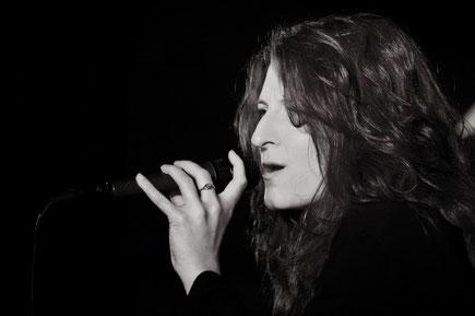 Ulli Lingerfelt Vocalist