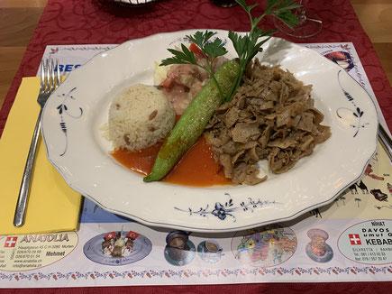 Das feine Kebap-Teller mit Reis... so schmeckt türkisch!