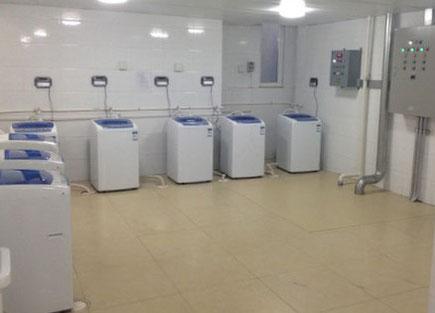 中国 大連外国語大学 学生寮 共同洗濯機