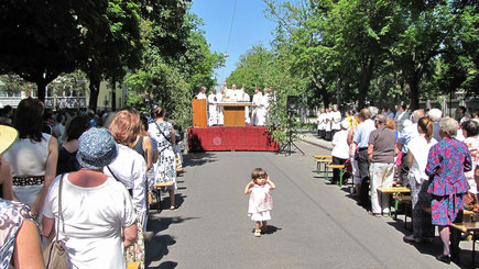 Bei herrlichem Sommerwetter feierten die vier Hernalser Pfarren und Sandleiten gemeinsam eine Messe.