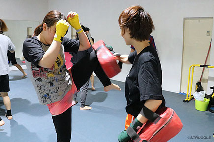 ▲女性専用の練習道具、男女別更衣室も完備