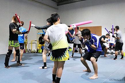 ▲毎週水曜20:00~21:00はキックボクシング初心者クラス