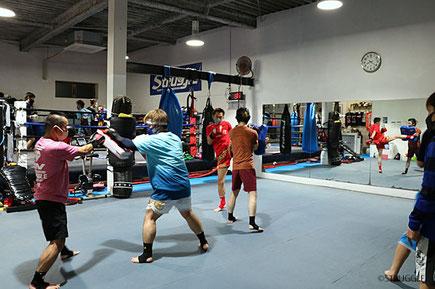 毎週水曜19:30~20:30はキックボクシング初心者クラス!