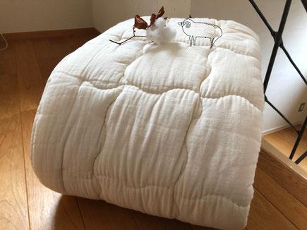 ベッドパッドにもなるウールわたたっぷり敷きパッド