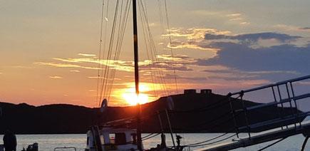 Ein letzter Sonnenuntergang auf Kea