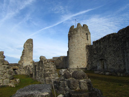Une autre vue du château où a vécu Bernard de Ventadour XIIe siècle