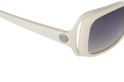 Occhiali da sole donna Dolce & Gabbana Modello: 8024 Colore: 508/8G bianco. Colore lenti: grigio sfumato. Calibro 56-18. Forma: squadrato. Materiale: plastica. Protezione UV 100%