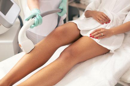Dauerhafte Haarentfernung an Beinen