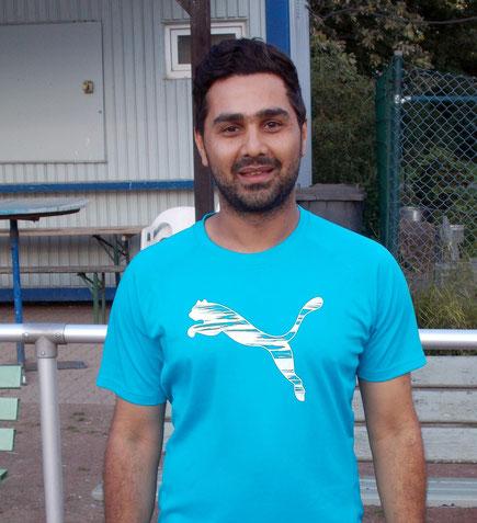 A-Junioren-Trainer Aras Rachid, der auch in der 2.  Mannschaft spielt