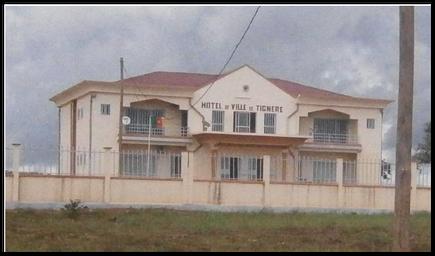 Tignere Hotel de ville