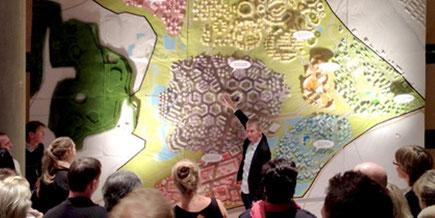 Jørn Tækker holder foredrag på Den Danske Ambassade i Berlin, november 2013