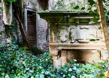Quelle: www.nettehammer.de/de/ruine-hochzeitslocation-rheinland (Stand: 14.07.2020)