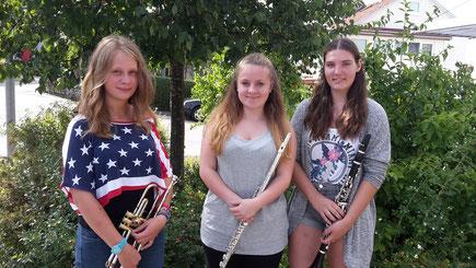 Die drei D1-Absolventinnen v.l. Jessica, Lea und Laura