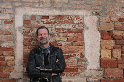 (c) Marc Degens