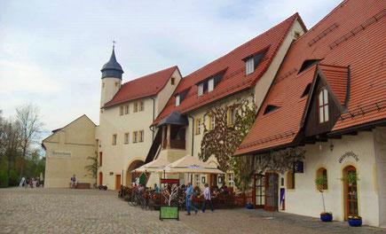 Atelierhaus, Gaststube Torwache und Glasgalerie