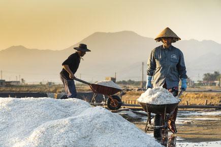 Salz ist heute keine Mangelware mehr - natürliches Salz ist besser als industrielles mit vielen Zusätzen.