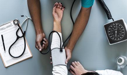 Der Blutdruck steigt mit hohem Salzkonsum