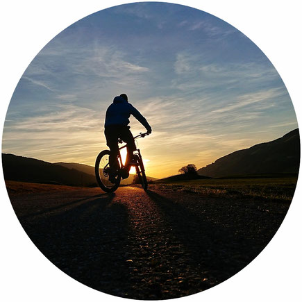 vélo d'occasion couché de soleil