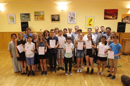 Die erfolgreichen SchülerInnen der Regionalmusikschule und das Team der Regionalmusikschule