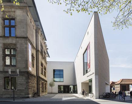 LWL Museum für Kunst und Kultur, Münster; Altbau und Spitze am Domplatz; Foto: LWL/ Hanna Neander