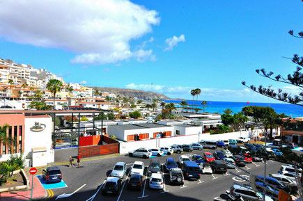 Meerblick über die Dächer vo Los Cristianos