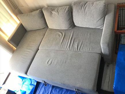 ワンちゃんの粗相で汚れたソファークリーニングに北区へ行ってきました。