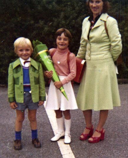 Andreas mit Mutter und Schwester - Foto Andreas Delbrügge