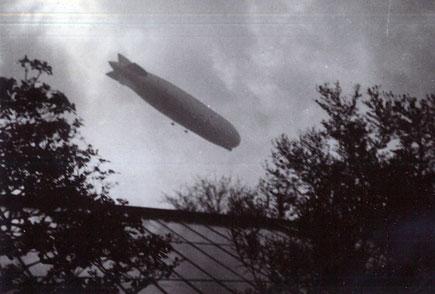 Der Zeppelin über dem Botanischen Garten -1930