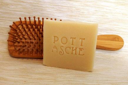 Haarseife Anwendung Niederrheinwasser Haare Nuturseife Pottasche Männer