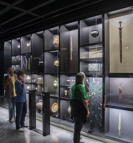 Bild: Impression Audiostation zu archäologischen Fundarten, © Badisches Landesmuseum, Foto: ARTIS – Uli Deck.