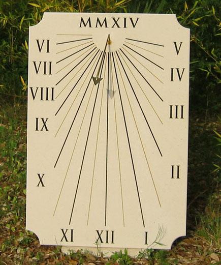 cadran-solaire-saint-remy-provence-13-pierre-cadrans-solaires-vente-achat-vertical